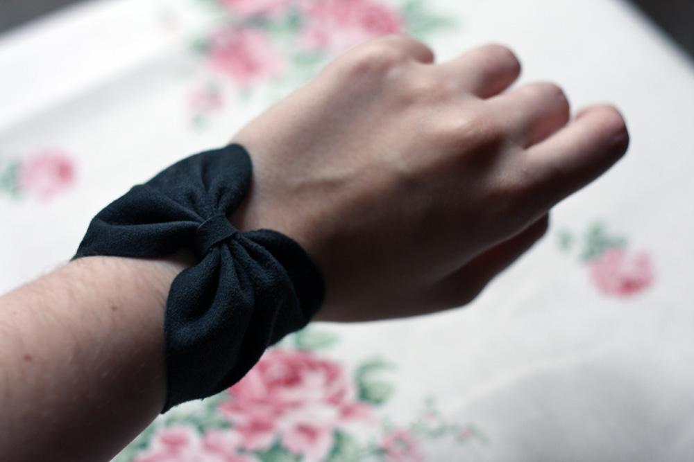 Bracelet noeud en cuir noir