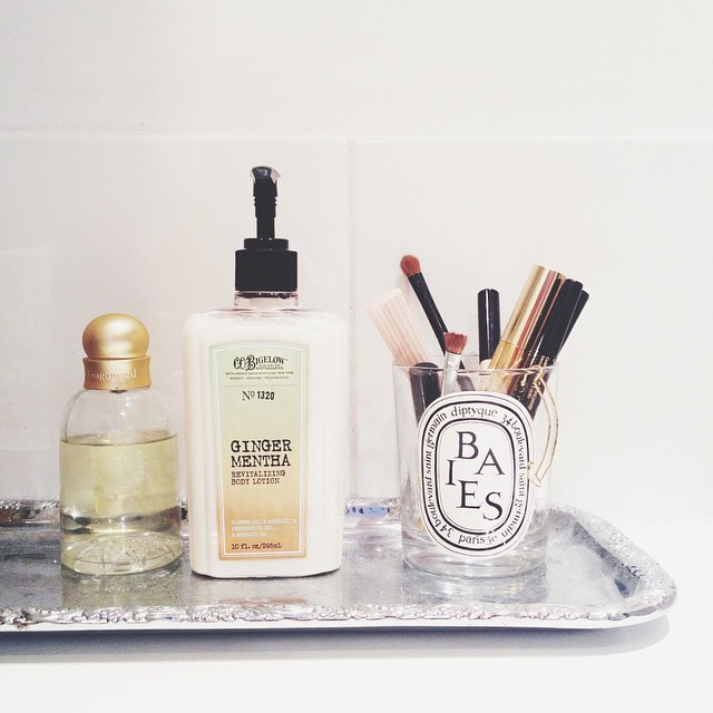 My favorite body moisturizer for winter from @cobigelowny ? #cosmetics #bathroomdecor